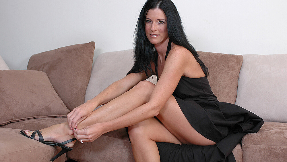 MILF India Summer fucking in the couch with her petite