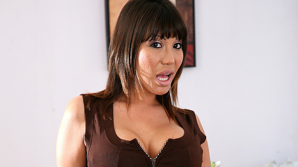 Ava Devine fucking in the living room with her tits