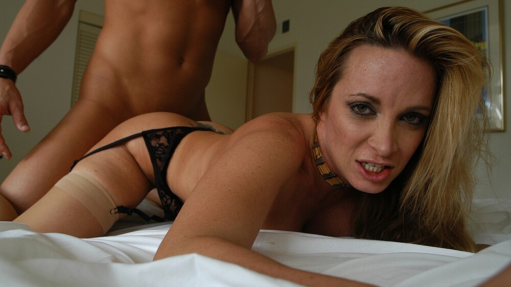Student Jennifer Steele fucking in the bedroom with her tits