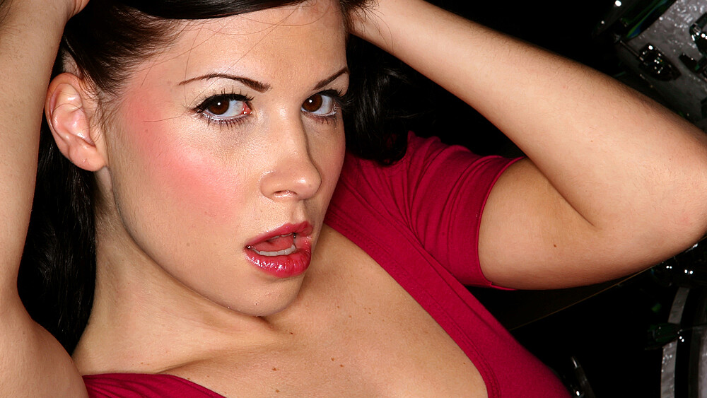Rebeca Linares fucking in the couch with her small tits