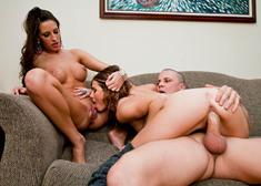 Jenni Lee, Kortney Kane & Justice Young in 2 Chicks Same Time - Centerfold