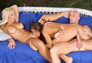 Jessica Lynn, Madelyn Marie & Johnny Sins in 2 Chicks Same Time - Sex Position 2