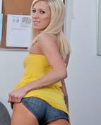 Maia Davis Porn Videos