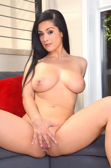Your favorite pornstar Katrina Jade has a Bald, Outie Pussy & Big Natural Tits