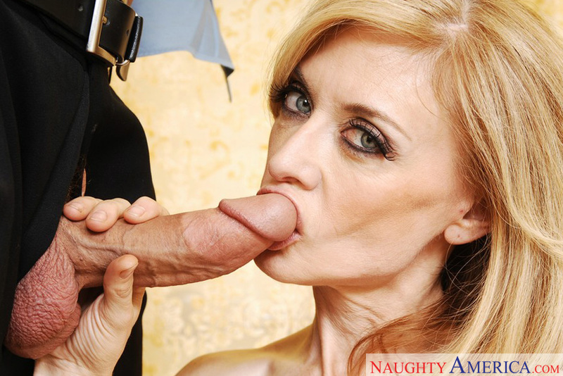 Porn star Mrs. Hartley fucking hard