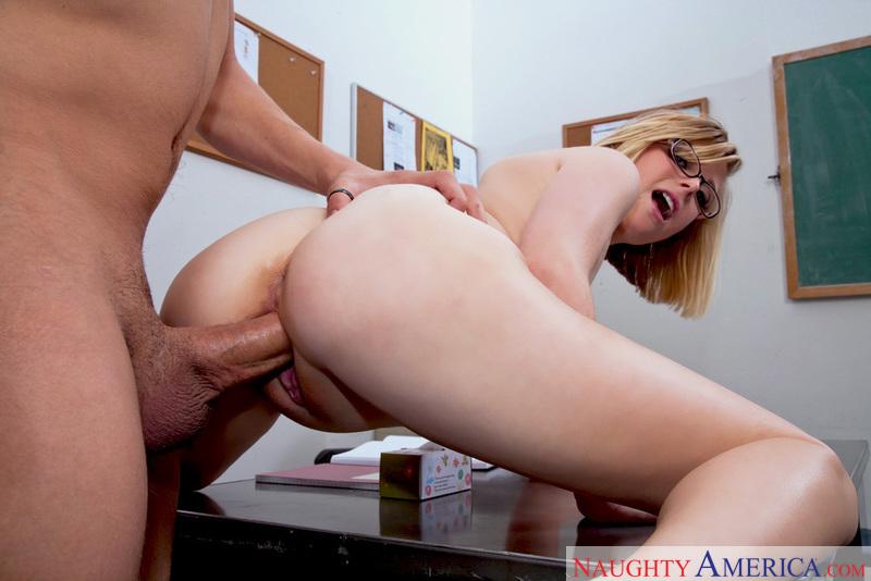Porn star Penny Pax fucking hard