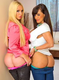 Nikki Benz, Lisa Ann & Mr. Pete in I Have a Wife - Centerfold