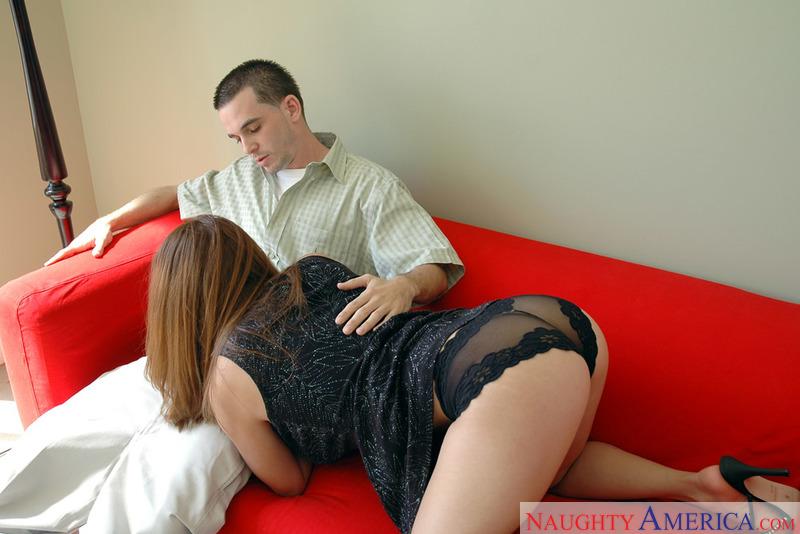 Porn star Destiny Summers fucking hard