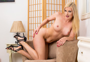 Darryl Hanah & Kris Slater in My Friends Hot Mom - Sex Position 1
