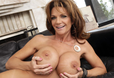 Watch Deauxma porn videos