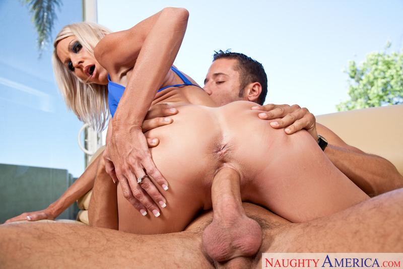 Porn star Emma Starr fucking hard