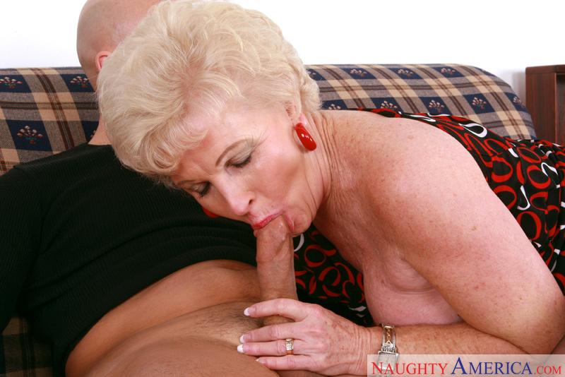 Porn star Mrs. Jewell fucking hard