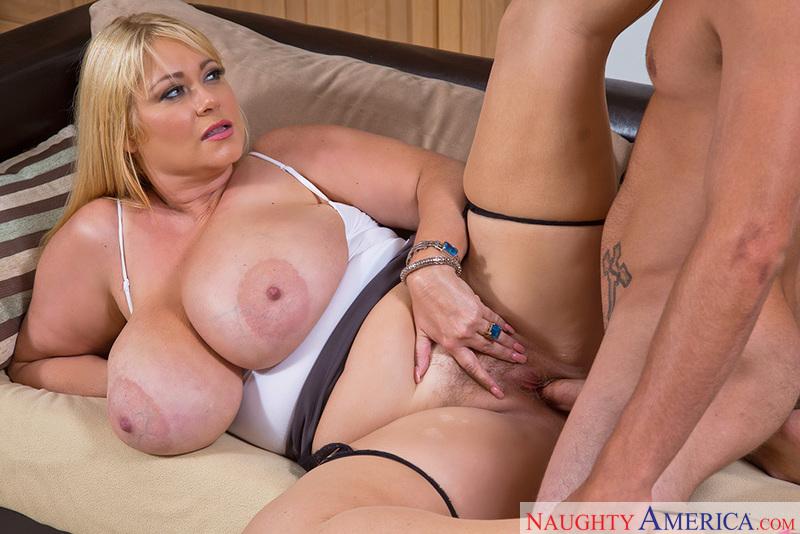 Porn star Samantha 38G fucking hard