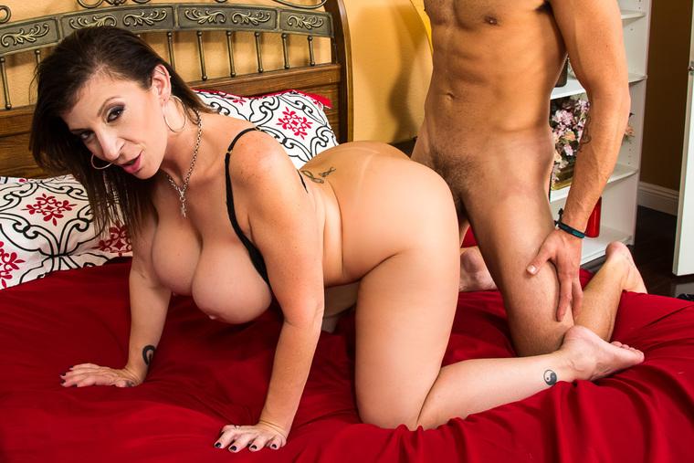 Sara jay hot mom