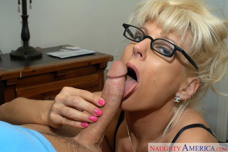 Porn star Mrs. Vogue fucking hard
