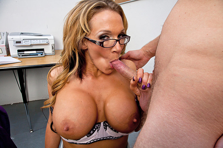nikki sex video Nikki Sexx was born in Southern California in 1983 and she made her adult  industry debut in 2008 when she was 25 years old.