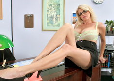 Penny Porsche & Derrick Pierce in My First Sex Teacher - Centerfold