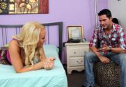 Alexis Monroe & Kris Slater in My Sister's Hot Friend - Sex Position 1