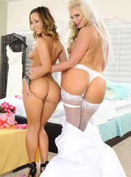 Phoenix Marie, Jada Stevens  & Johnny Castle in Naughty Weddings - Centerfold