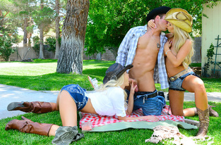 Tasha Reign, Summer Brielle & Chad White in Naughty Country Girls