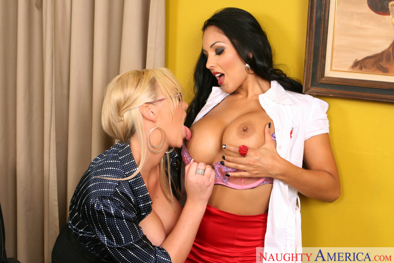 Porn star Abbey Brooks and Nina Mercedez fucking hard