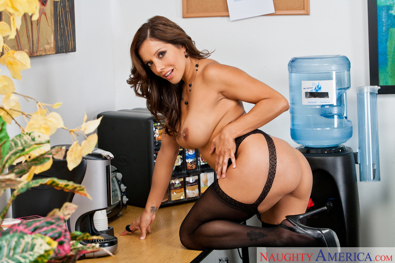 Porn star Francesca Lé fucking hard