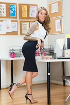 Juelz Ventura & Karlo Karrera in Naughty Office  - Centerfold