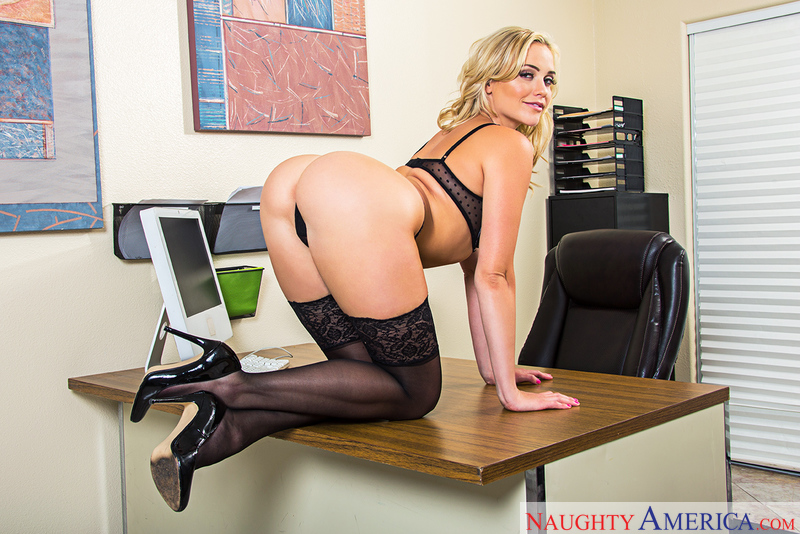 Mia Malkova - Naughty America - Naughty Office