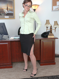 Sara Faye & Tony T. in Naughty Office - Centerfold