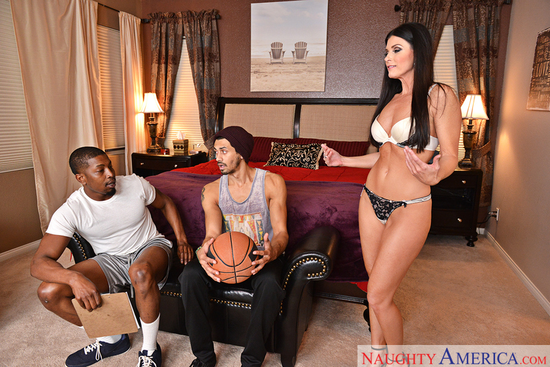 Naughtyamerica – INDIA SUMMER, ALEX JONES & ISIAH MAXWELL Site: Seduced By A Cougar