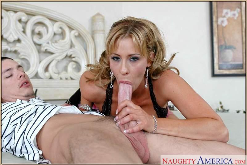 Porn star Phyllisha Anne fucking hard