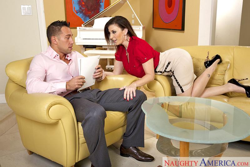 Sara Jay & Johnny Castle In Seduced By A Cougar