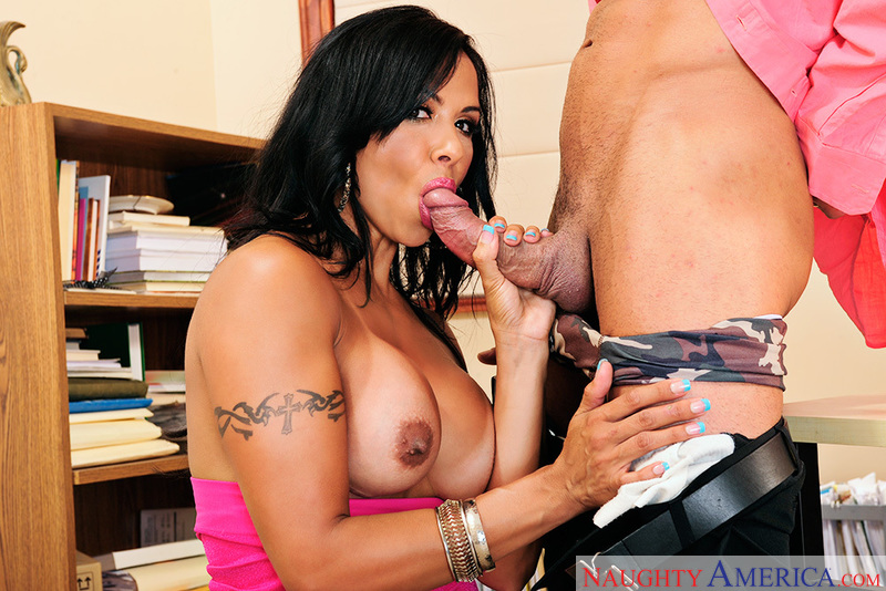 Porn star Viana Milian fucking hard