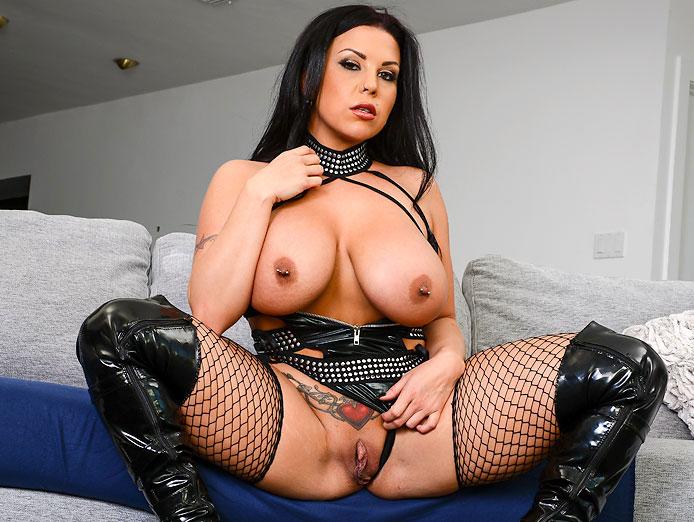 Big tits VR porn video with Sheridan Love