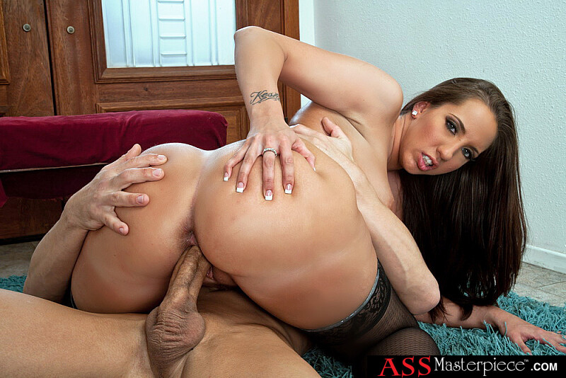 Kelly Divine fucking in the floor with her big ass - Sex Position 1