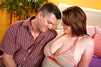 MILF Lisa Sparxxx fucking in the bed with her big tits - Sex Position 1