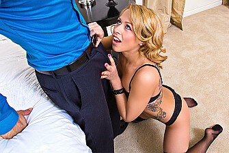Nanny Zoey Monroe fucking in the bed with her average body - Sex Position 1