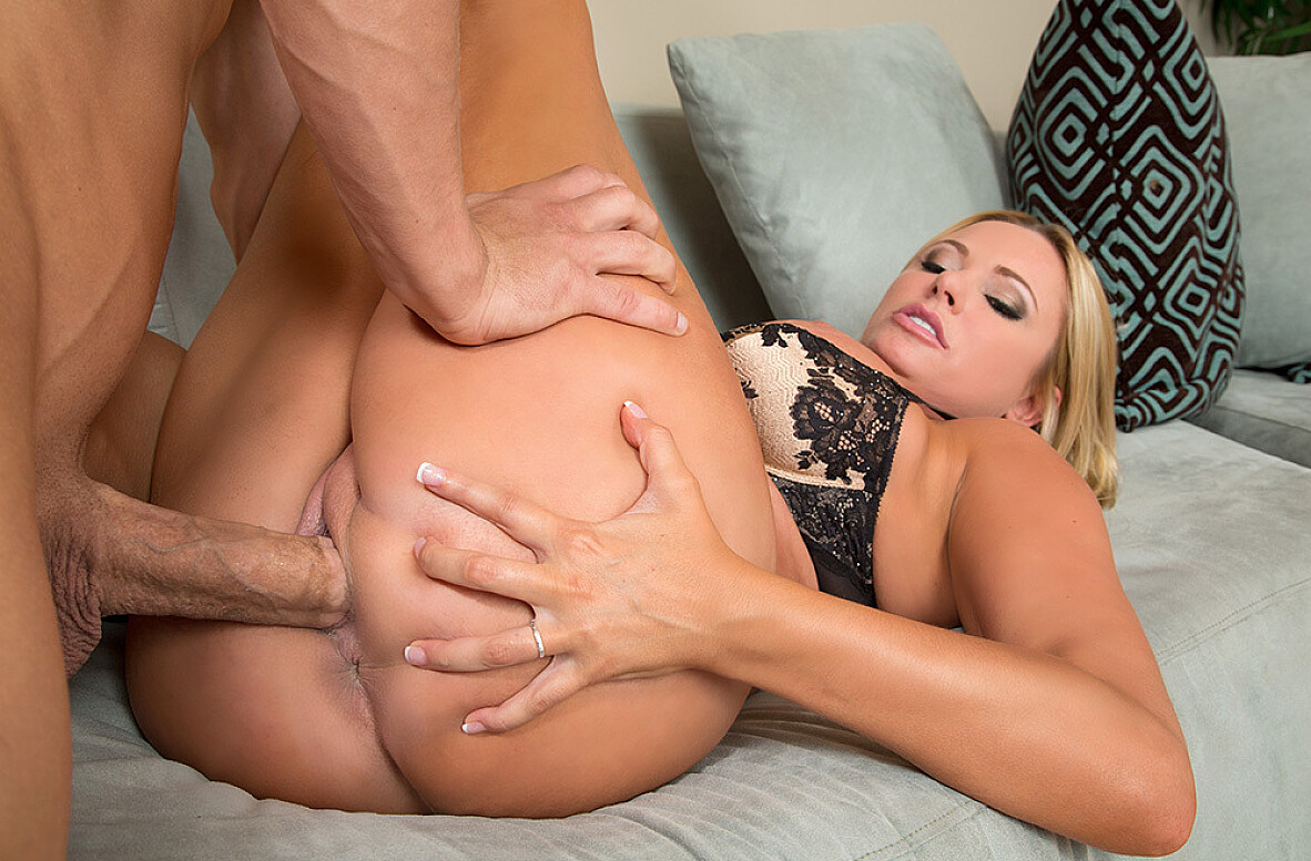 Watch Briana Banks and Bruce Venture video in My Friend's Hot Mom