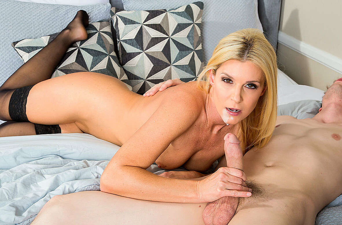 Watch India Summer and Rion King 4K video in My Friend's Hot Mom