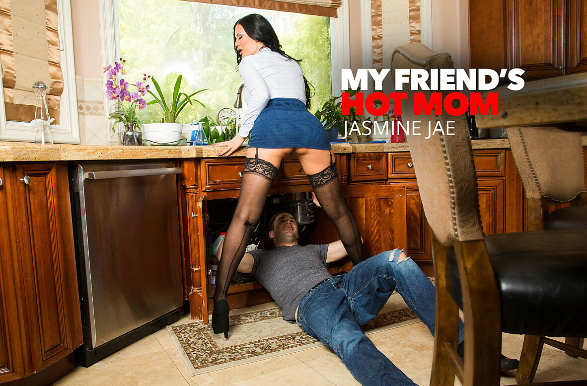 Watch Jasmine Jae 4K video in My Friend's Hot Mom