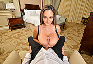 Ava Addams & Justin Hunt in Naughty America