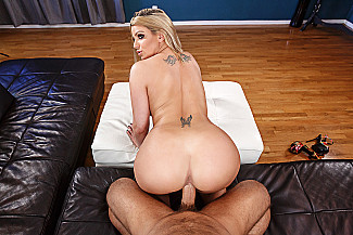 Brooklyn Chase fucking in the couch with her tits vr porn - Sex Position 4