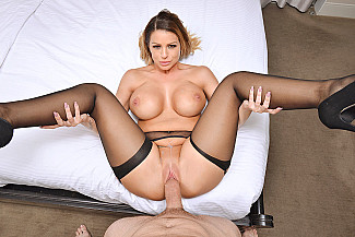 Brooklyn Chase fucking in the bed with her tits vr porn - Sex Position 4
