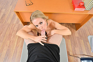 Nicole Aniston fucking in the floor with her tits vr porn - Sex Position 1