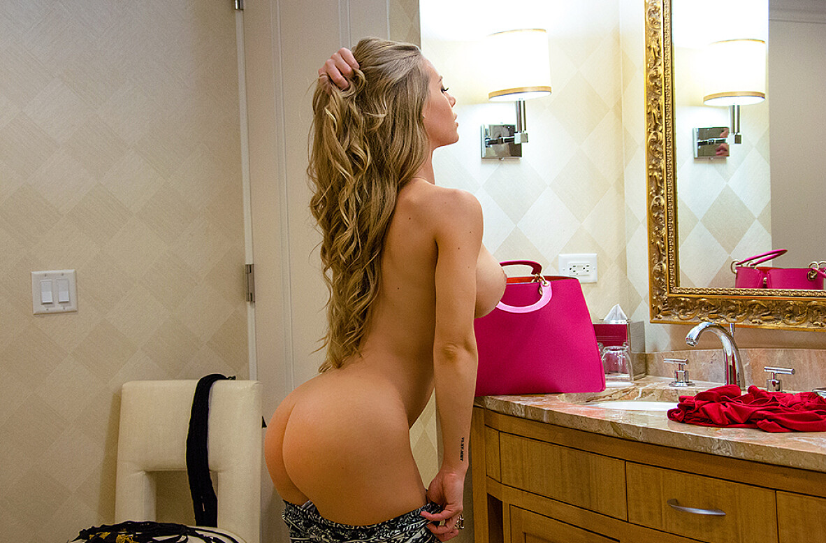 Watch Nicole Aniston and Johnny Castle 4K video in Tonight's Girlfriend Classic
