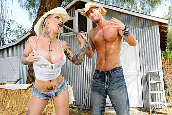Blonde Christy Mack fucking in the outdoors with her tattoos - Sex Position 2