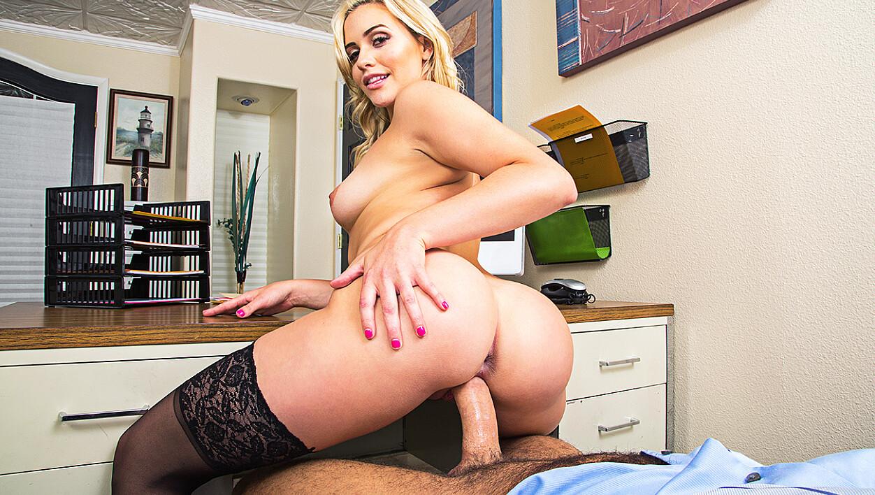 Mia Malkova fucking in the desk with her small tits vr porn