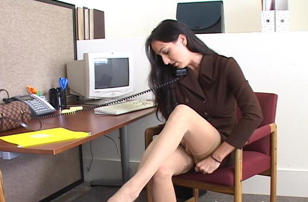 Watch Rhiannon Bray video in Naughty Office