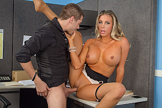 Boss Samantha Saint fucking in the desk with her blue eyes - Blowjob