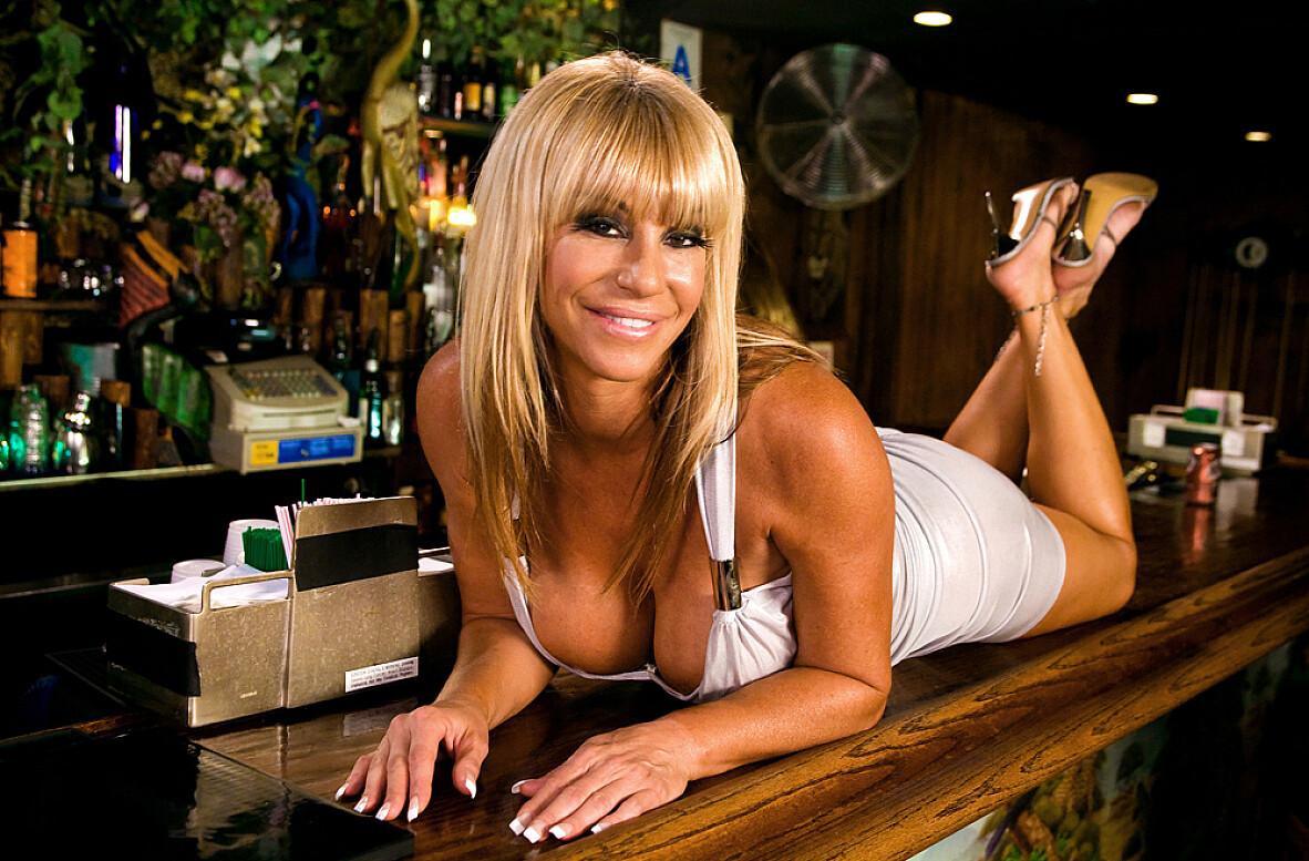 Apologise, but, cougar pool tablr porno very